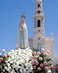 Sanctuary of Our Lady of Fatima, Portugal Visit Portugal, Portugal Travel, Spain And Portugal, Blessed Mother Mary, Blessed Virgin Mary, Fatima Portugal, Beautiful World, Beautiful Places, Saint Marin