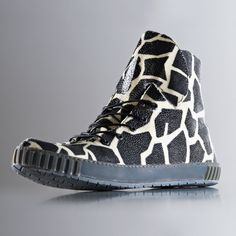bio-customized sneakers by rayfish: A footwear company in Thailand says it has developed a way to bio-engineer stingray skin to produce customised trainers – although the claim has been met with scepticism from scientists and outrage from animal rights campaigners.
