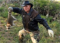 Turtleman Photos : Call of the Wildman: Photos: Animal Planet##-Poopy the Coon