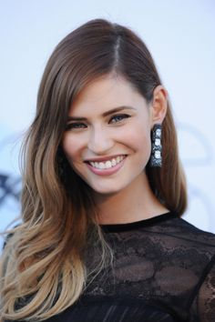 Bianca Balti - deep side part & balayage