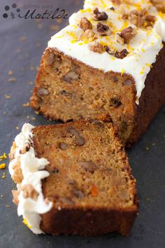 Savory magic cake with roasted peppers and tandoori - Clean Eating Snacks Sweet Recipes, Cake Recipes, Dessert Recipes, Mini Cakes, Cupcake Cakes, Cupcakes, Bolo Fit, Zucchini Cake, Salty Cake