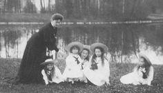 Empress Alexandra with her children. Grand Duchesses Anastasia, Tsarevich Alexei, Grand Duchesses Olga, Tatiana and Marie