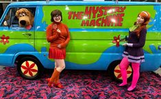 Original Hanna-Barbera Mystery Machine on rare display at Grand Rapids Comic Con Mystery Machine Van, Tony Todd, Chicago Museums, Dodge Van, Steampunk Cosplay, Pinewood Derby, Hanna Barbera, Warner Bros, Custom Cars