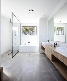 Bathroom inspiration, products and design! Interior Design Examples, Interior Design Inspiration, Bad Inspiration, Bathroom Inspiration, White Bathroom, Small Bathroom, Master Bathrooms, Mirror Bathroom, Remodel Bathroom
