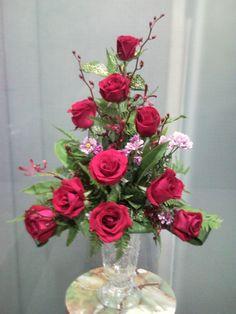 floral arrangement with roses | Triangle Arrangement_Rose