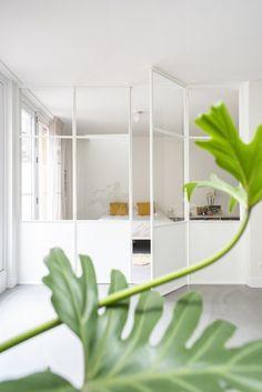 Interior Windows, Home Interior, Interior Design Living Room, Interior Architecture, Interior And Exterior, Partition Design, Glass Partition, Door Design, House Design