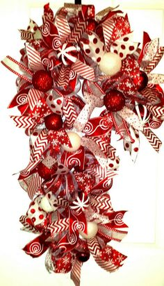 Check out this item in my Etsy shop https://www.etsy.com/listing/211674041/candy-cane-candy-cane-wreath-candy-cane