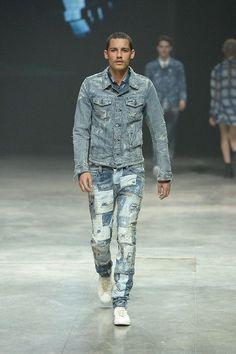 Diesel Fall 2014 Ready-to-Wear Denim Fashion, Runway Fashion, Fashion Show, Fashion Design, Polo Jeans, Jeans Pants, Altering Jeans, Diesel Fashion, Casual Wear For Men