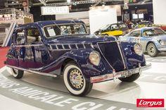 Retromobile 2013 : les voitures extraordinaires de Renault: Renault Nerva Grand Sport (1937) Le modèle luxe de l'époque. Moteur à 8 cylindres en ligne de 5448 cm3 de 110 ch propulsion longueur 4,91m, 2250 kg vitesse maximale 145 km/h. Produite de 1936 à 1937 à 150 exemplaires.