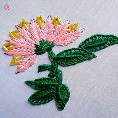 Hand Embroidery Flower Designs, Diy Embroidery Patterns, Hand Embroidery Videos, Embroidery Stitches Tutorial, Embroidery Flowers Pattern, Creative Embroidery, Simple Embroidery, Learn Embroidery, Embroidery Hoop Art