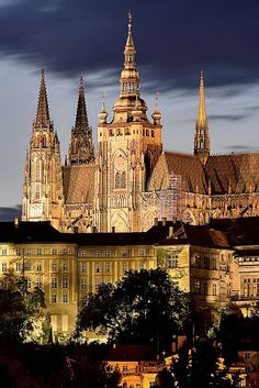 Prague Castle, Czech Republic. http://traveloxford.blogspot.com/2014/02/prague-castle-czech-republic.html