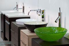 La forma de este pr ctico mueble de ba o permite poner - Muebles para lavamanos ...