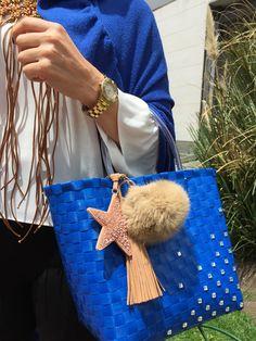 SOIE   Asesoría de Imagen   Collares   Colombia - Tienda Online   Zuncho Bag Navy Blue @soie_co SOIÈ SOI•È #soie Blue Bags, Collars, Navy Blue, Blue Nails, Decorative Accessories, Navy Color, Knit Bag, Satchel Handbags, Key Fobs