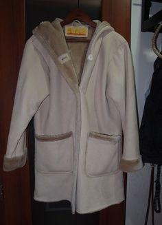 Kupuj mé předměty na #vinted http://www.vinted.cz/damske-obleceni/dlouhe-kabaty/7865303-hnedy-kabat-s-kapucou