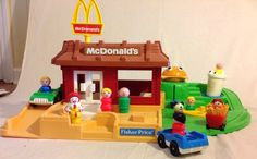 RARE VINTAGE Fisher Price Little People McDonald's Restaurant #FisherPrice