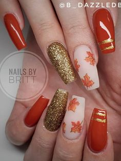 Cute burnt orange coffin shaped fall nails 2019 with gold glitter nail & leafy nude nail! Orange Acrylic Nails, Fall Acrylic Nails, Orange Nails, Green Nails, Orange Nail Designs, Fall Nail Art Designs, Champagne Nails, Home Design, Maroon Nails