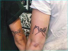 45 Feeling-Full Brother and Sister Tattoos that make You Feel Emotional - Beste Tattoo Ideen Brother Tattoos, Sibling Tattoos, Couple Tattoos, Tattoos For Guys, Mini Tattoos, Body Art Tattoos, Small Tattoos, Tatoos, Cat Tattoos