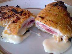La meilleure recette de Cordon-bleu ... fait maison! L'essayer, c'est l'adopter! 4.2/5 (25 votes), 28 Commentaires. Ingrédients: - 3 fines escalopes de dinde, - 6 tranches de fromage fondu à croque monsieur, - 1 tranche 1/2 de jambon, - 1 oeuf, - de la chapelure , - sel et poivre