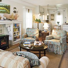 Pretty living room decorated in cottage style | Living Room ...