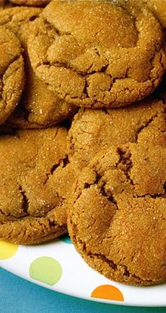 Chewy Ginger Molasses Cookies | gimmesomeoven.com | gingerbread recipes