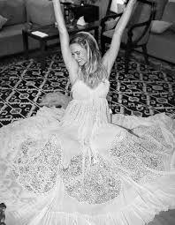 Risultati immagini per vestito da sposa bar refaeli