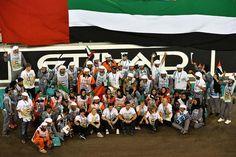 f1 Los comisarios de pista en la foto de grupo, celebrando el Gran Premio de Abu Dhabi 2013
