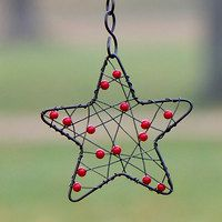 Beading 2020 – The Best Beading Ideas Are Here Christmas Crafts For Gifts, Handmade Christmas, Christmas Diy, Christmas Decorations, Wire Ornaments, Beaded Christmas Ornaments, Wire Crafts, Metal Crafts, Crafts To Make