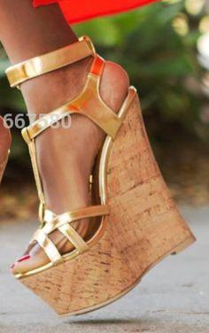 b61fa4edf Saltos Lindos, Anabela, Vestuário Feminino, Pés Femininos, Sapatos,  Plataforma De Sapatos