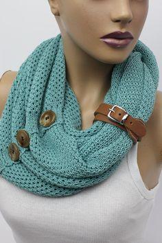 Knit button infinity scarf Leather cuffcircle por OrganicScarf