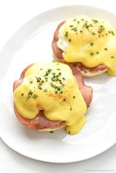 Eggs Benedict Recipe shewearsmanyhats.com #benedict