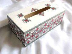 #Cutie #serveţele #motive #tradiţionale #româneşti, #flori #stilizate şi #modele #geometrice / #Towel #box, #traditional #Romanian #motifs, #stylized #flowers and #geometric #patterns / #수건 #상자, #전통적인 #루마니아어 #모티프, #양식화 #된 #꽃과 #기하학 #무늬 http://handmade.luxdesign28.ro/produs/cutie-servetele-motive-traditionale-flori-stilizate-si-modele-geometrice-29171/
