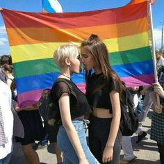 Find images and videos about girl, lesbian and lgbt on We Heart It - the app to get lost in what you love. Cute Lesbian Couples, Lesbian Pride, Lesbian Love, Lesbian Art, Couple Girls, Girls In Love, Inka Williams, Gay Aesthetic, Redhead Girl