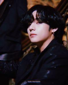 a multifandom mess — faerieth: taehyung in black swan mv They. Bts Black And White, Black Swan, K Pop, V Bts Cute, Jin Kim, Aesthetic Gif, Aesthetic Qoutes, Kim Taehyung, Bts And Exo