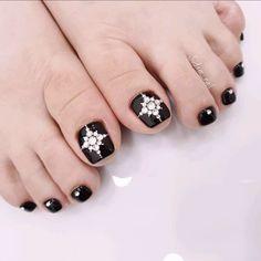 Coffen Nails, Feet Nails, Bling Nails, Swag Nails, Pretty Toe Nails, Pretty Nail Art, Square Nail Designs, Toe Nail Designs, Stone Nail Art