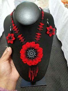Bead Jewellery, Jewelery, Beading Patterns, Bracelets, Fashion Jewelry, Jewelry Making, Brooch, Shakira, Create