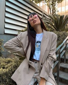 "Ines Silva 🦄 on Instagram: ""Strike a pose 🖤🕶- @sunglassspot"" Cool Outfits, Casual Outfits, Fashion Outfits, High Class Fashion, Current Fashion Trends, Career Wear, Outfit Goals, Vintage Looks, Style Guides"