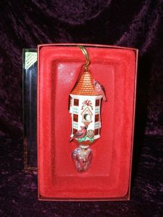 Lenox China Winter Greetings 2003 Birdhouse Ornament New in Box Lenox,http://www.amazon.com/dp/B0010SS7MY/ref=cm_sw_r_pi_dp_9NONsb1ZDYRKW2MQ