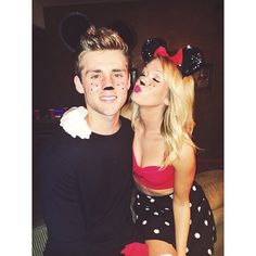 Pin for Later: 36 Couples Costume Ideas That Are Ridiculously Cheap Mickey and Minnie