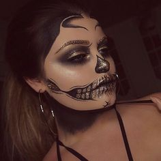 We can't stop staring at this Glitter Skull by @kimberlinaamuax using our Epic Black Mousse Liner ✨ You could also recreate this look using our Face & Body Glitter in 'Gold' #nyxcosmetics_uk