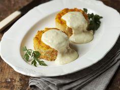 Möhrenküchlein mit Käsesauce ist ein Rezept mit frischen Zutaten aus der Kategorie Gemüse. Probieren Sie dieses und weitere Rezepte von EAT SMARTER!