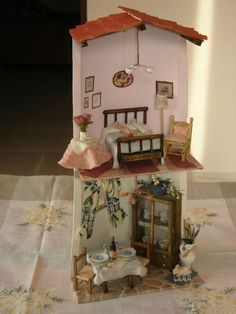Azulejo con sala de estar y dormitorio. Tile Crafts, Clay Crafts, Fairy Houses, Doll Houses, S Brick, Clay Tiles, Roof Tiles, Glitter Houses, Mural Wall Art