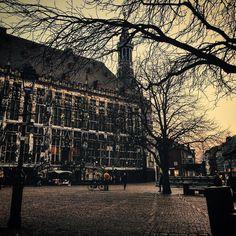 Good night  #aachen #igersaachen #ig_nrw #deutschland_greatshots #bestworld_sky #bestgermanypics #best_streetview #beautifuldestinations #srs_germany #srs_buildings #loves_united_europe #loves_united_germany #loves_united_eurasia #igersdeutschland #meindeutschland #ptk_streetview #sunset #skyporn #sunset_madness #ic_architecture #archimasters #vsco #vscocam #vsco_hub #vscogram #vscosunset #huffpostgram #huntgramgermany #kings_villages #cityexplore by vogti74