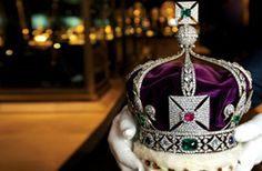 From the Crown Jewels to the infamous Tower Ravens, experience history first hand with guided tours, plan your next visit to the Tower of London today. St Edward's Crown, The Crown, Crown Royal, British Crown Jewels, Royal Jewels, Elizabeth Ii, Westminster, London Gift Shop, Imperial State Crown