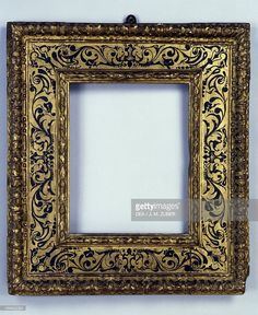 Stock Photo : Renaissance frame, carved and gilded wood, France, 16th century