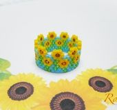 Upcycled Wood Bowl - HandPainted Daisy Decor - Decorative Wall Hanging or Jewelry, Ring, Coin or Key Holder - HandPainted Wooden Bowl - Dish - Custom Jewelry Ideas Diy Jewelry Rings, Beaded Rings, Beaded Jewelry, Peyote Beading, Peyote Patterns, Beading Patterns, Beading Projects, Beaded Flowers, Bracelets