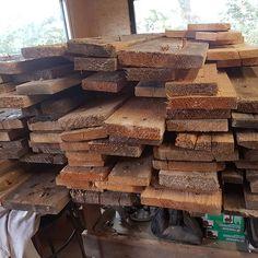 Préparation d'un nouveau big projet!  d'info bientôt...  #reclaimedwood #palettes #bois #wood #woodworking #axelrons Palette, Info, Firewood, Texture, Instagram, Crafts, Design, Baby Born, Woodwind Instrument