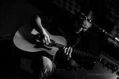 Acustico di chitarra.
