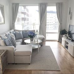 Nice 49 Easy Diy Small Apartment Decorating Ideas On A Budget. More at https://homedecorizz.com/2018/05/18/30-easy-diy-small-apartment-decorating-ideas-on-a-budget/