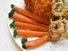 Výborne sa hodí k jedlám podávanými s ryžou, mrkva na mede je sladká, fantastická, chutí výborne aj ...
