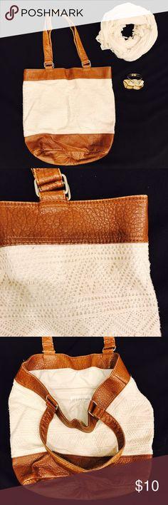 🖤💗 B U N D L E Shopper Tote Bag+ Matching Scarf Bundle of • Aeropostale Beige & Brown Tote Shopper Shoulder Bag & Matching Beige Scarf • Both in gently used good condition • bundle and save • 💙✨ M A K E  A N  O F F E R ✨💙 Aeropostale Bags Shoulder Bags